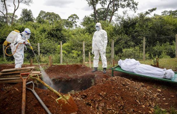 kenya burials (ap).jpg
