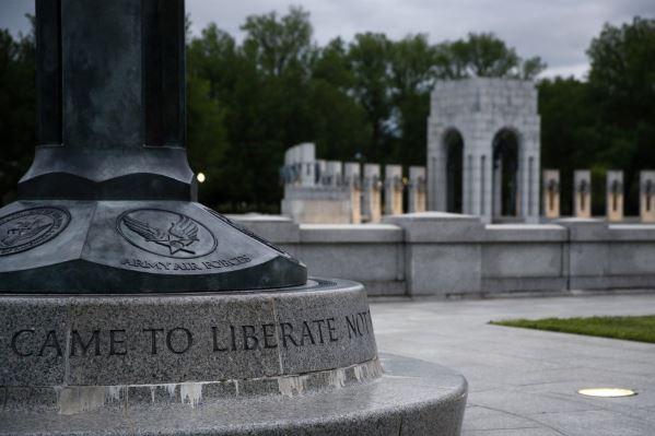 ww2 memorial (ap).jpg