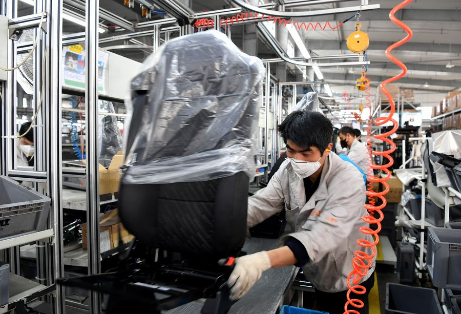 Chinese exporters seek new opportunities in domestic market
