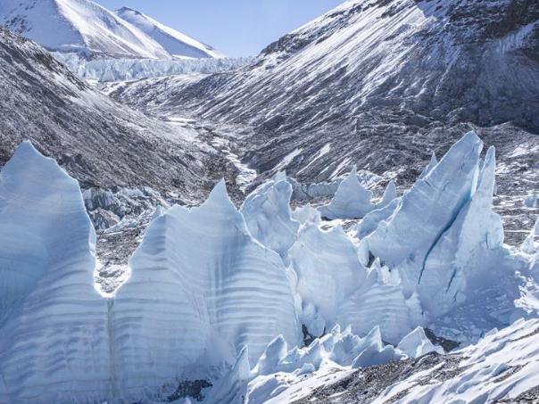 Ice pinnacles on north side of Mount Qomolangma
