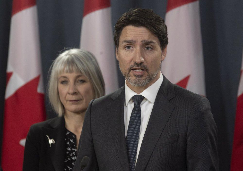 Trudeau announces aid program for large companies