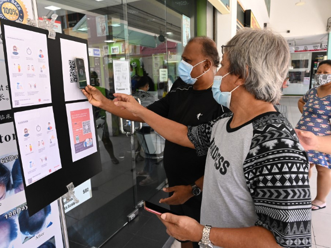 Singapore reports 886 COVID-19 cases, raising total to 24,671