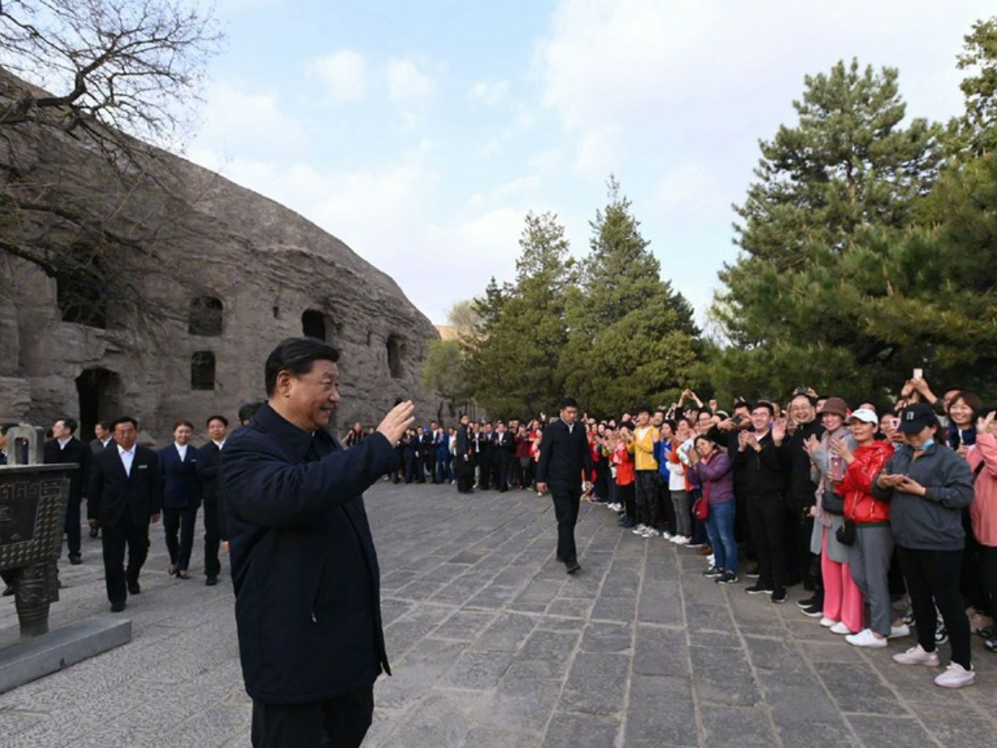 Xi stresses daylily growing in poverty alleviation