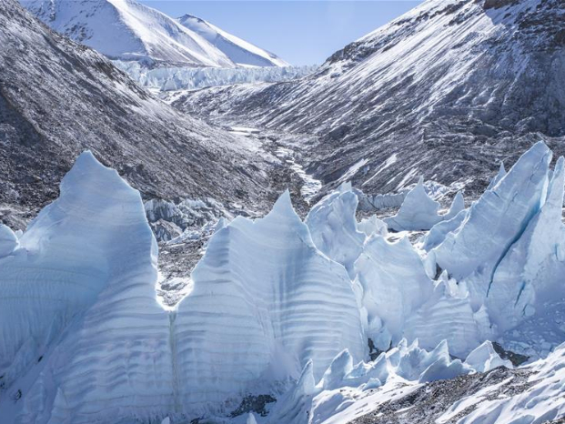 Ice pinnacles on north side of Mount Qomolangma