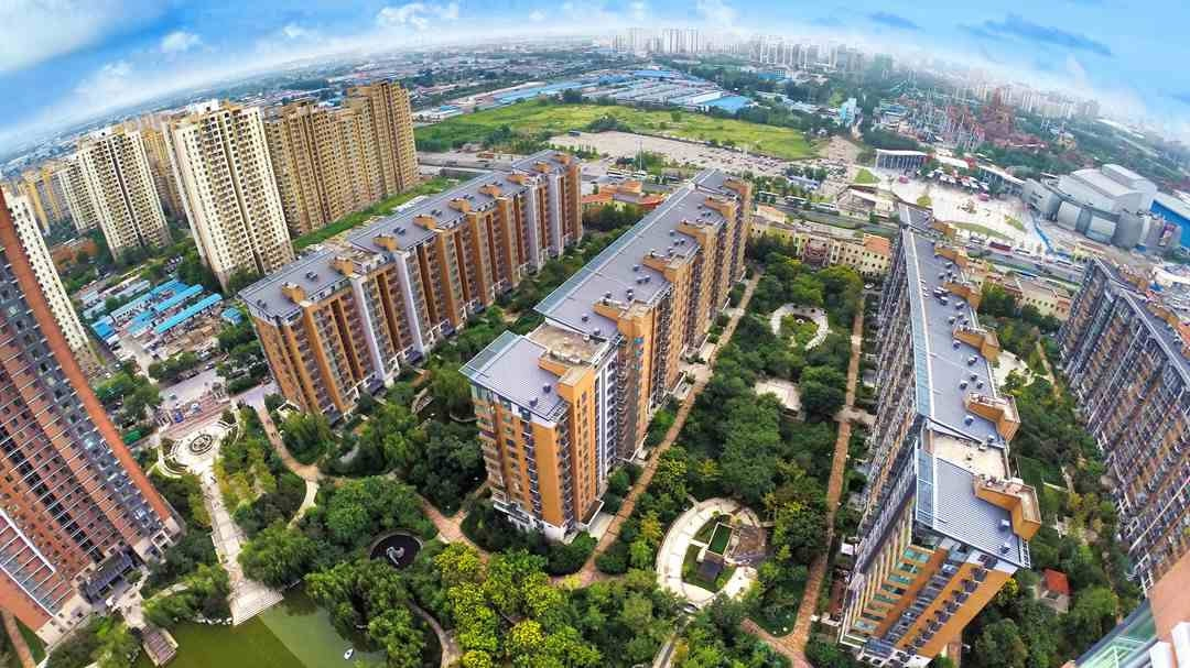 China's property investment down 3.3 pct in first four months