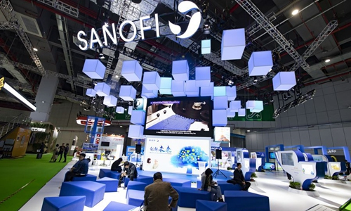 Chinese netizens condemn Sanofi statement that US will receive pending vaccine first