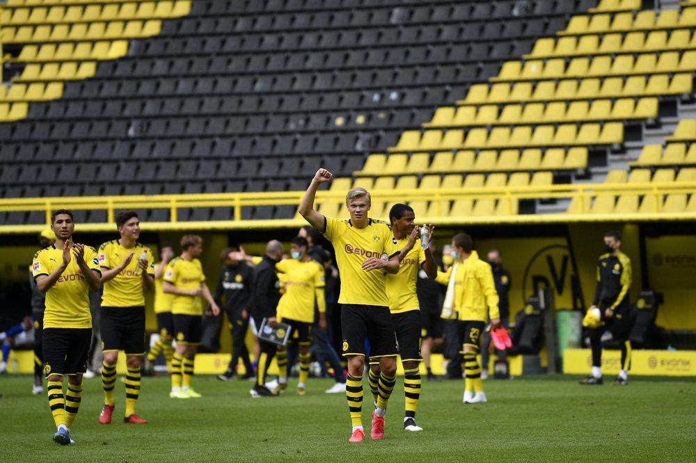 Bundesliga restarts with no fans, Haaland celebrates alone