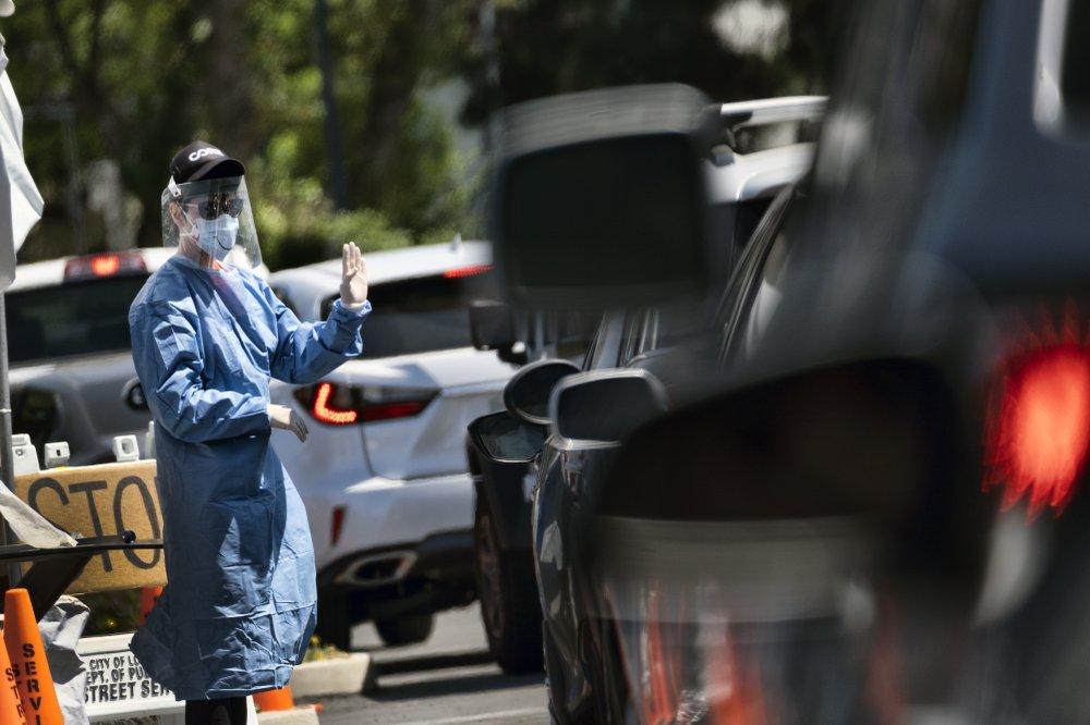 Los Angeles offers virus tests to all, still has unused kits
