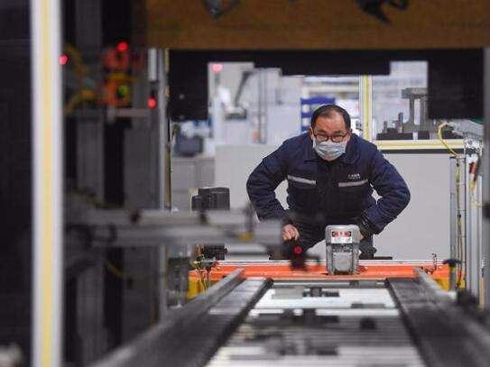 Institutional advantages can help break bottlenecks in key industries