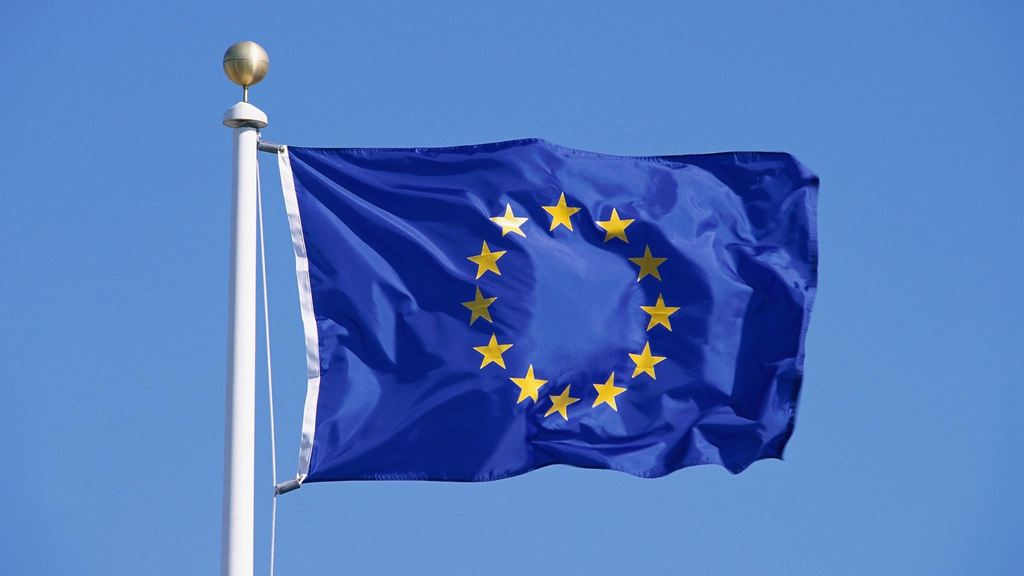 Macron, Merkel to present EU recovery initiative Monday