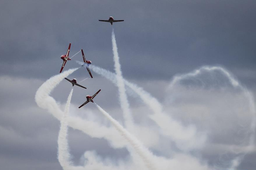 Canadian acrobatic jet crashes in BC amid pandemic show