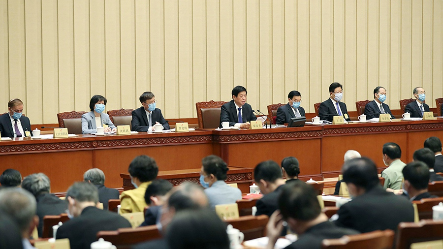 Chinese lawmakers approve draft agenda of annual legislative session