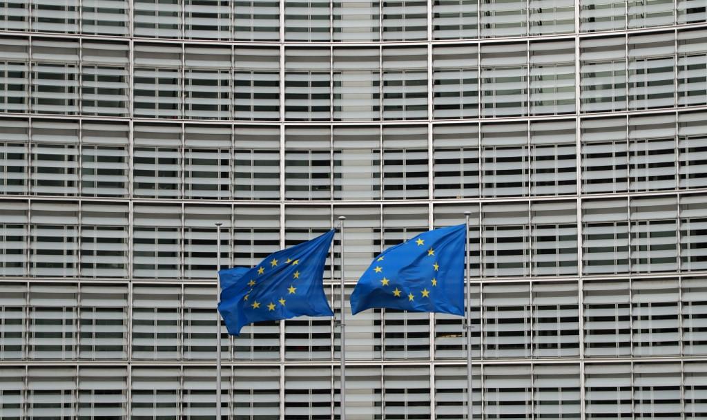 EU adopts 100-bln-euro program to save jobs