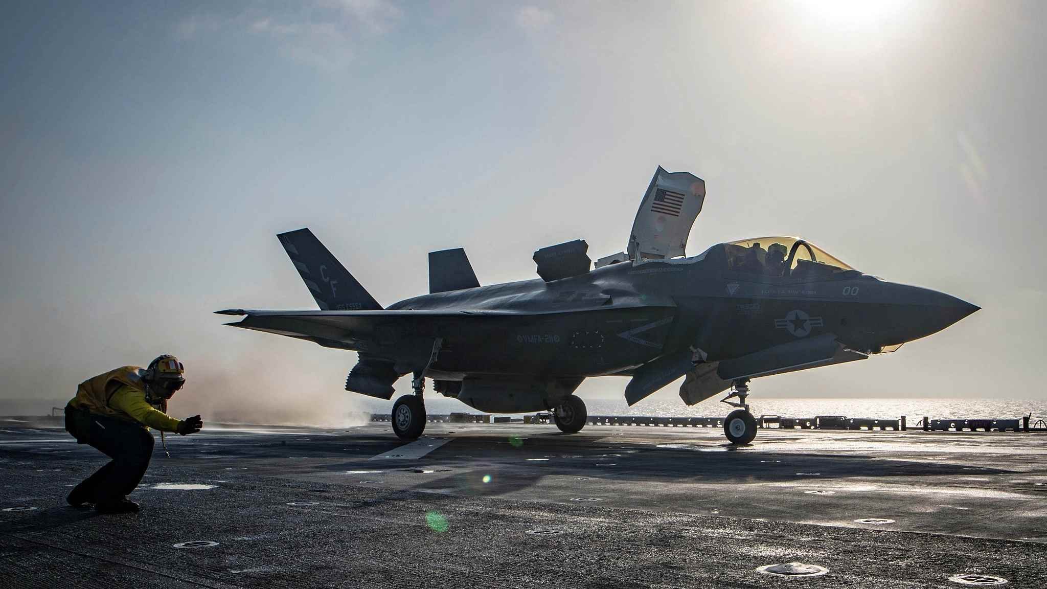 US F-35 fighter jet crashes at Florida base, pilot in stable condition