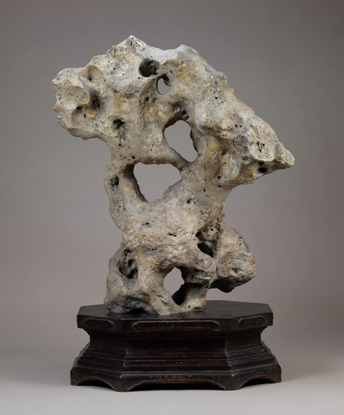 Shanghai Museum debuts its collection of scholars' rocks