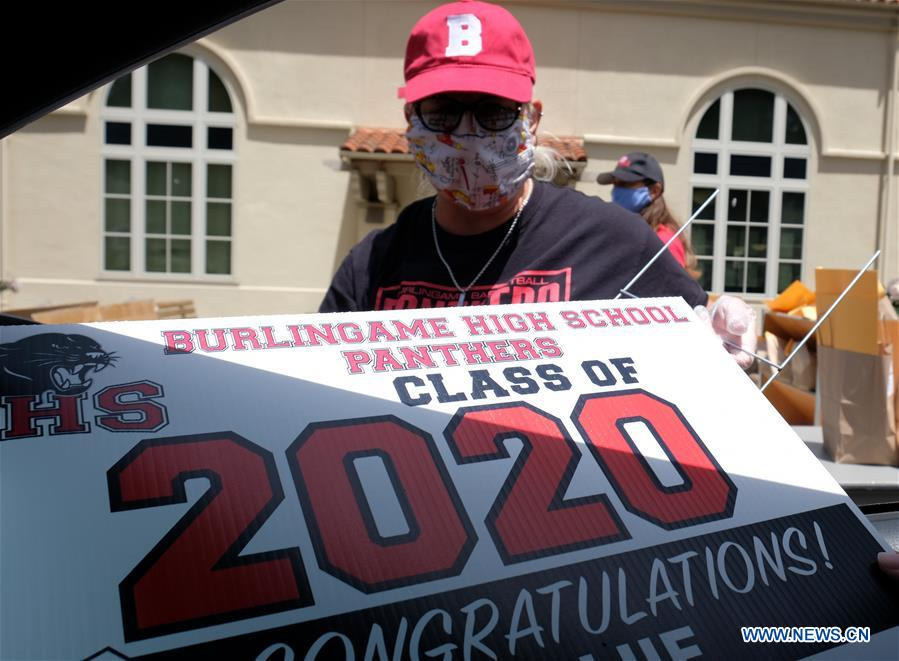 School holds drive-thru graduation for class of 2020 due to COVID-19 in San Mateo county