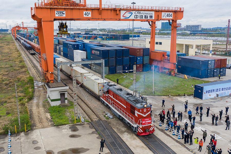 China's land port sees 1,100 China-Europe freight trains this year