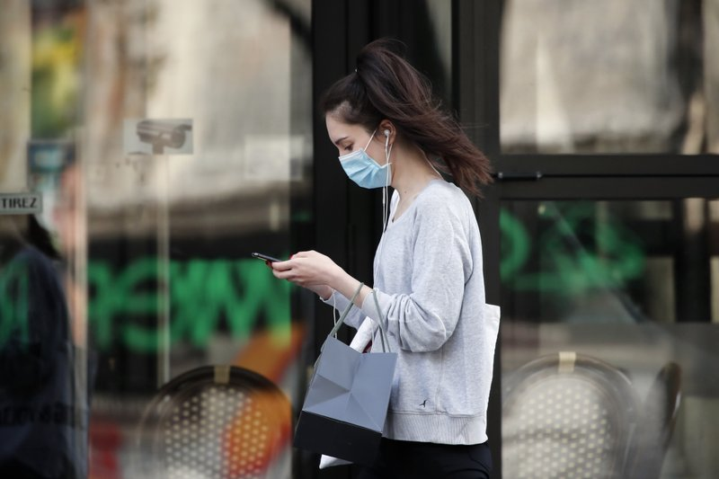 French lawmakers endorse the country's virus tracing app