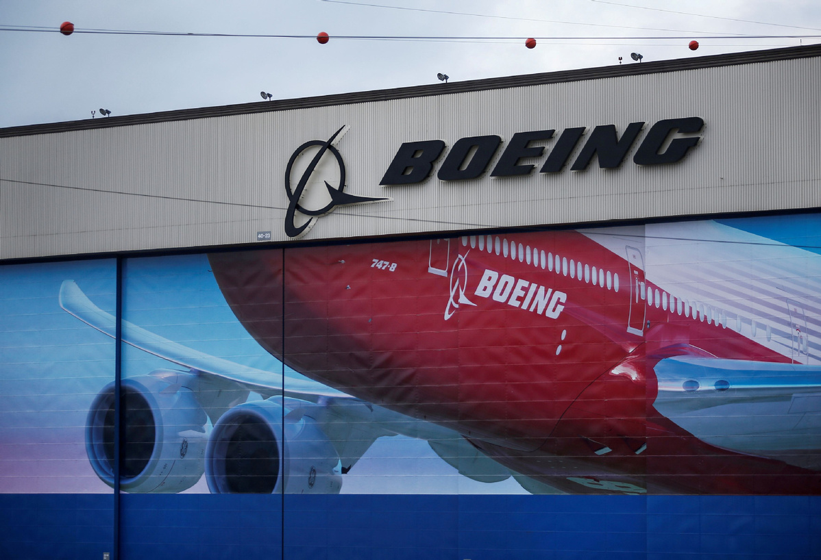 Boeing to lay off thousands amid virus