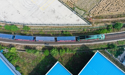 First cargo train leaves Yangtze River Delta for ASEAN countries