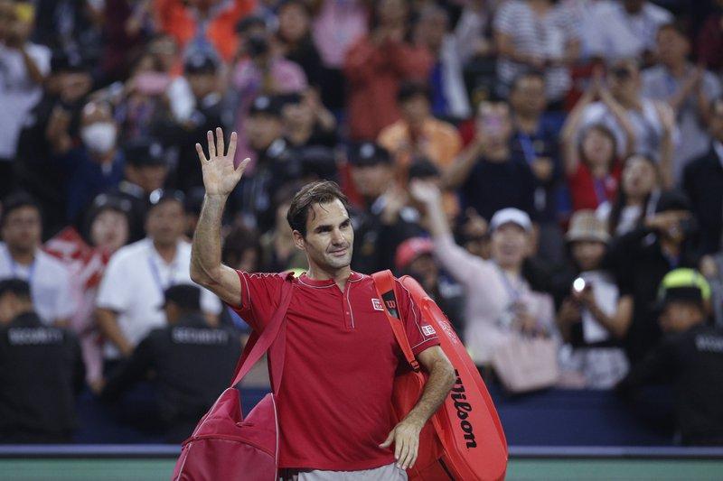 Federer tops world's highest-earning athletes
