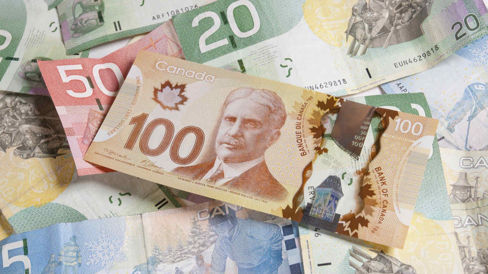 Canada's economy shrank 8.2 percent in Q1: government