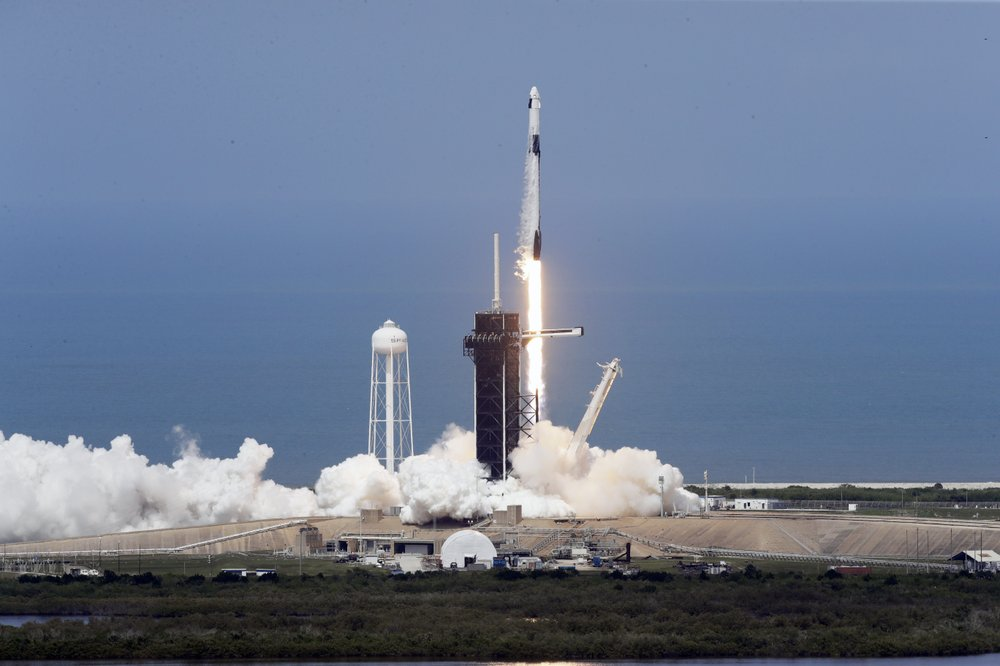 SpaceX ship blasts off with 2 astronauts