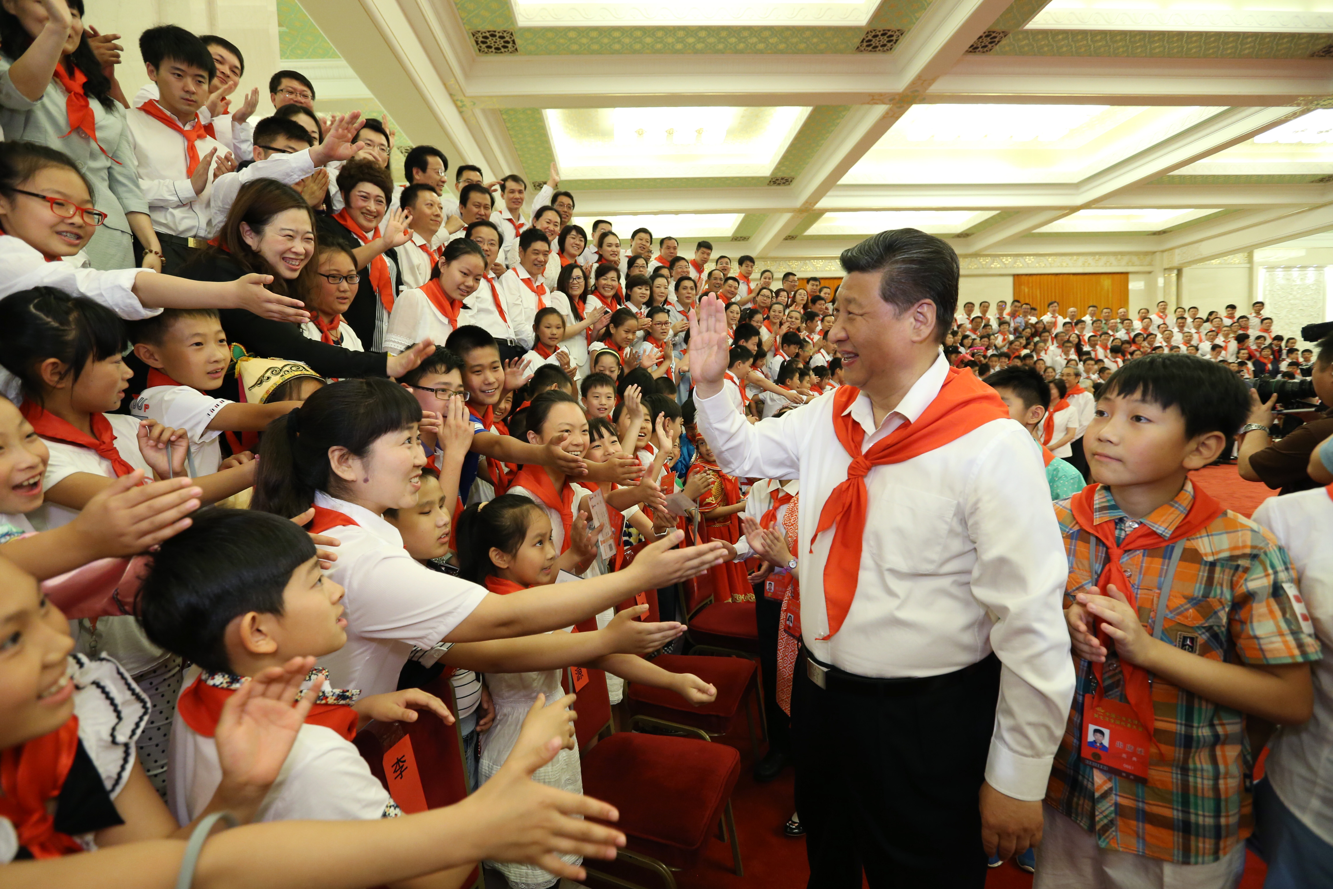 Xi extends Int'l Children's Day greetings