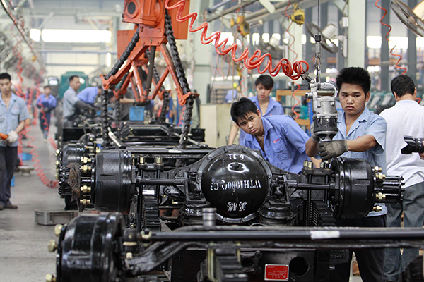 China's manufacturing PMI falls in May