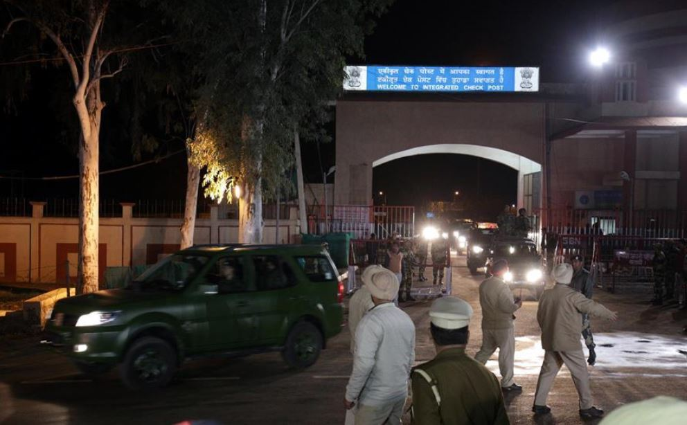India expels 2 officials of Pakistan High Commission on charges of espionage