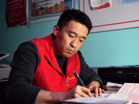 Pic story of COVID-19 prevention and control volunteer in Tianjin