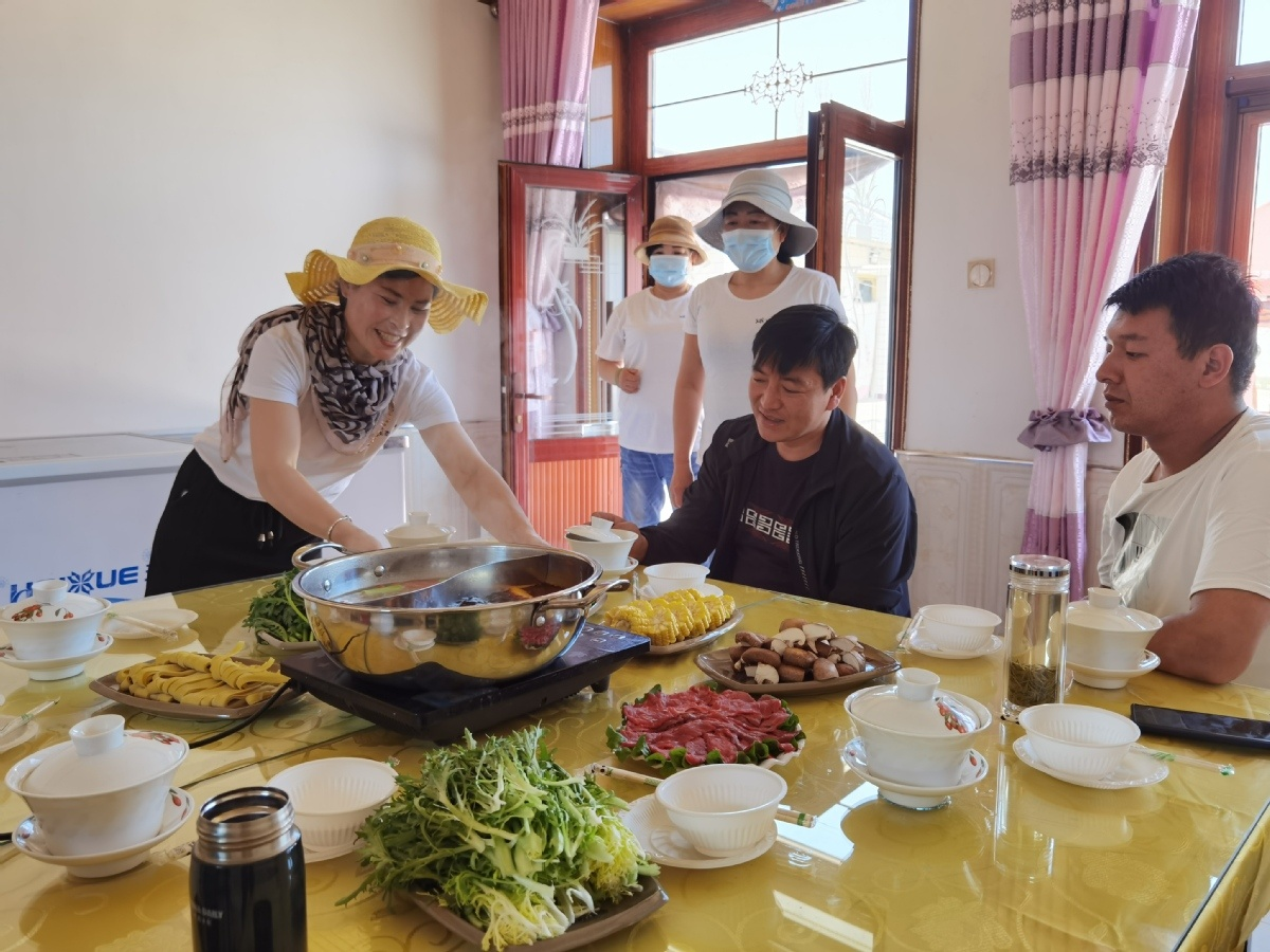 In harsh, remote Ningxia, cooperation makes a difference