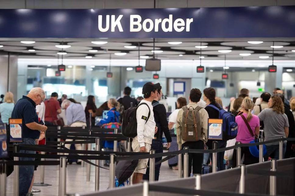 UK mulls 'air bridges' with low-risk countries