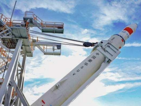 China plans to develop new solid-fueled carrier rocket