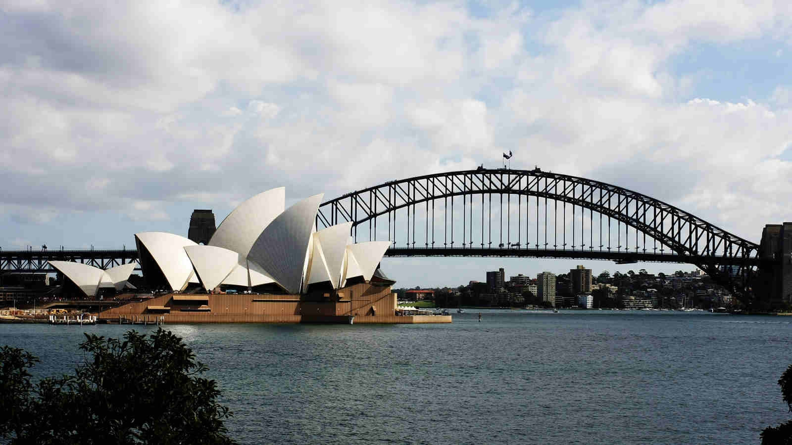 Chinese advised against traveling to Australia
