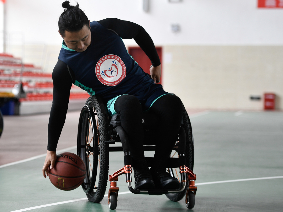 Teen shows how determination helps overcome any disability