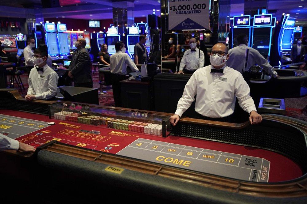 After historic casino closure, gambling returns to Las Vegas