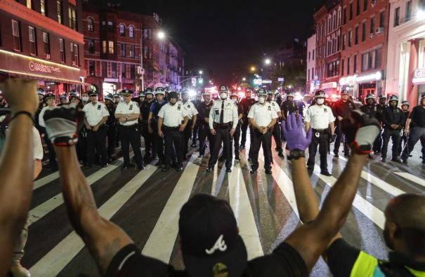 NYC mayor: Protests largely peaceful, curfew will continue