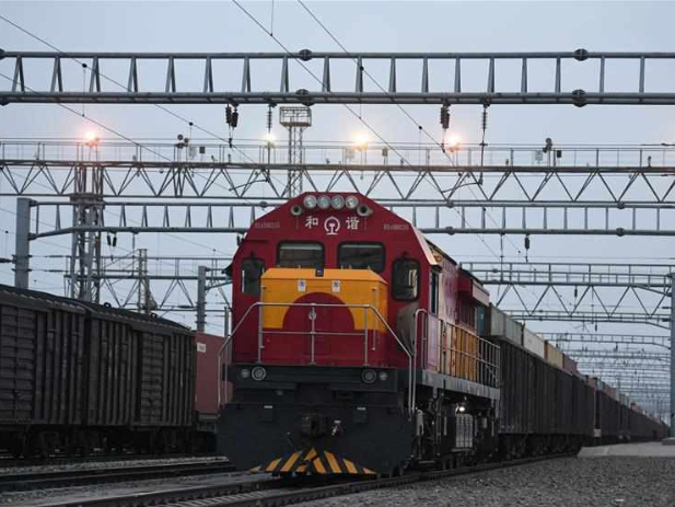China-Europe freight trains play crucial role in pandemic fight in Europe