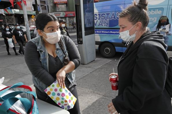 US adds almost 700 new coronavirus deaths in 24 hours