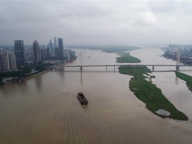 Nanchang imposes traffic control on Ganjiang River
