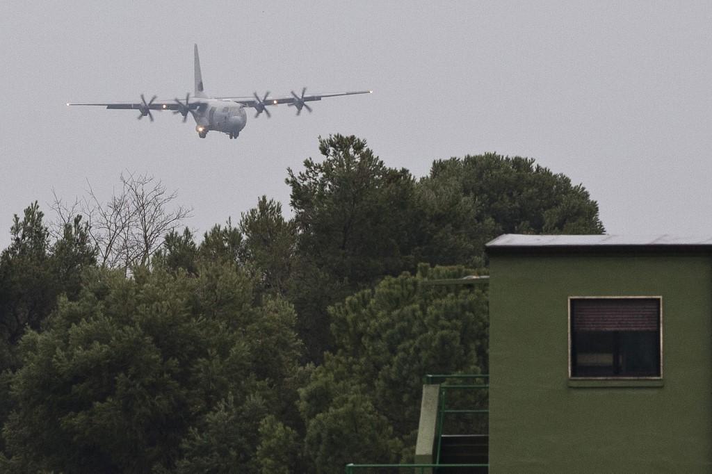 US military plane crashes into Iraqi base, no fatalities