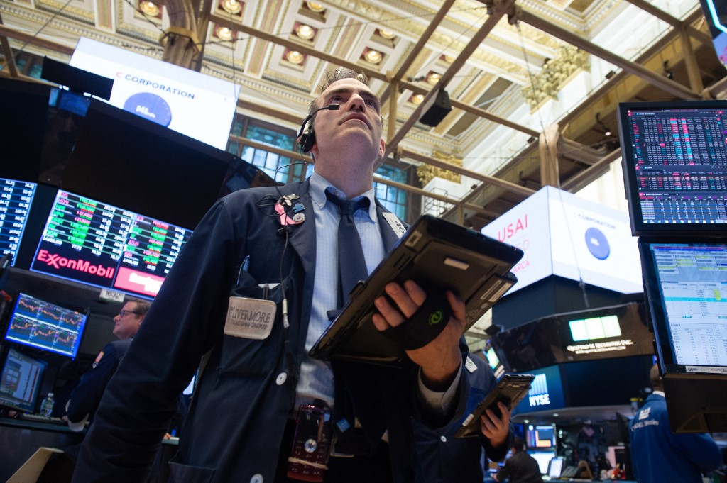 Dow plunges over 900 points amid fears of second virus wave