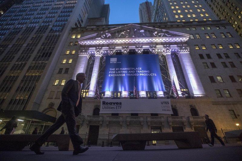 US stocks plunge amid fears of second virus wave