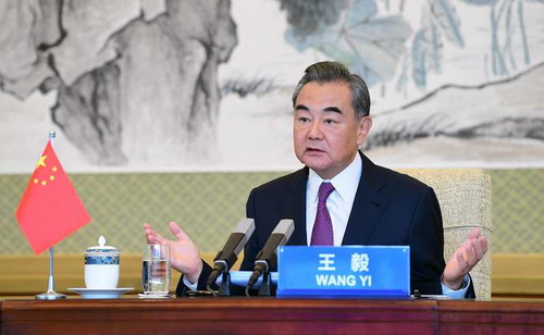 Chinese FM urges closer China-India communication to maintain border peace
