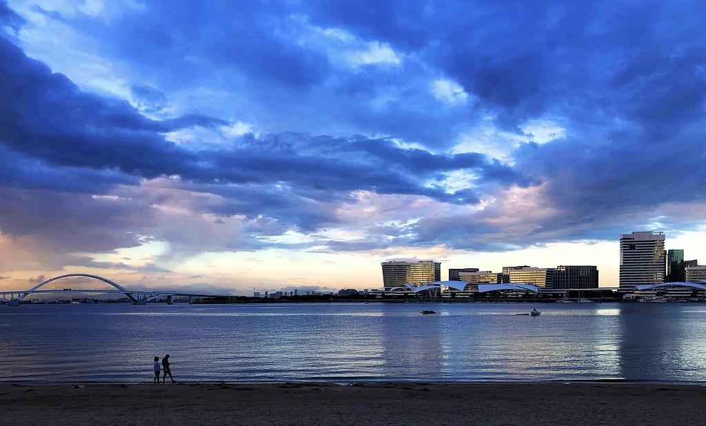 Xiamen's clear skies reveal stunning city scenery