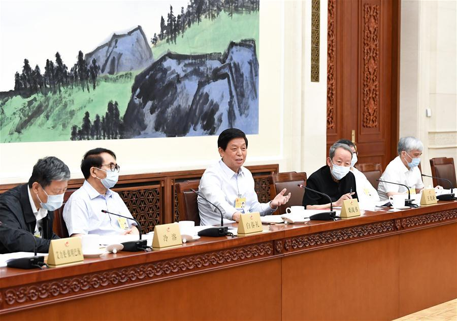 Chinese lawmakers deliberate draft law on support for veterans