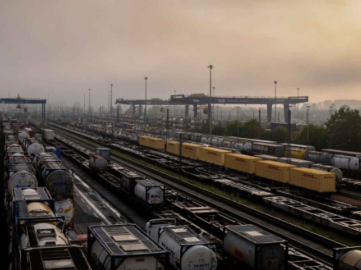 DHL introduces first Eastbound block trains from Germany to China