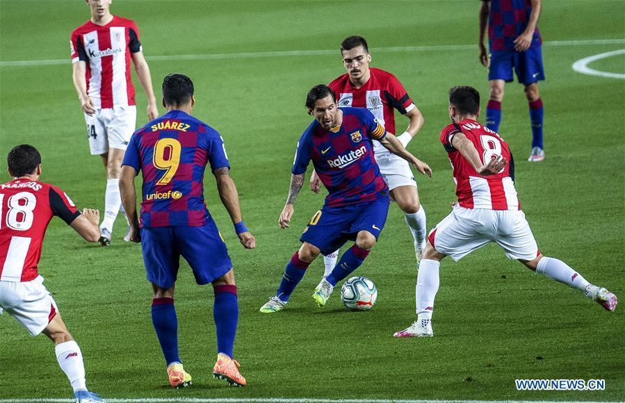 Rakitic goal takes Barca back to top in Spain