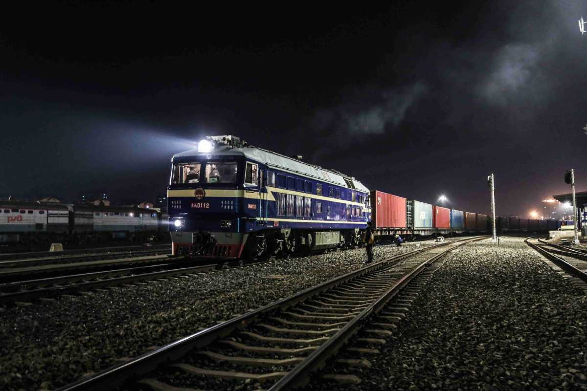 China-Europe freight trains help stabilize trade, production